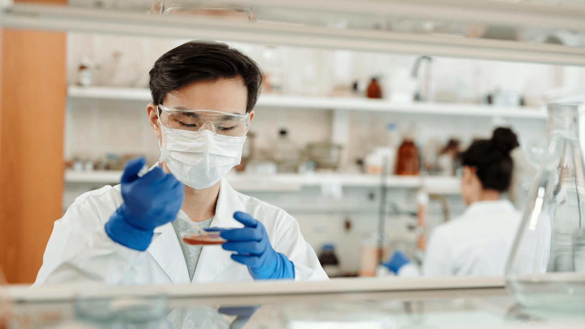 Microbiologia: uma área de grande destaque na pandemia